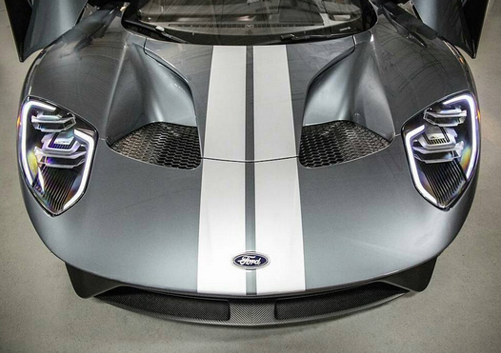Jack Roush Takes Delivery Of Ford Gt We Wonder What Hell Cook Up