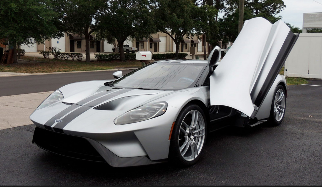 2017 Ford GT sells for $1.8M at auction