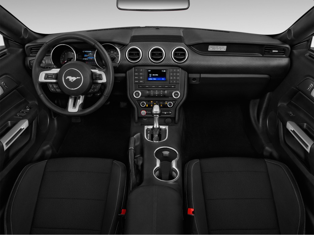 Image: 2017 Ford Mustang V6 Convertible Dashboard, size ...