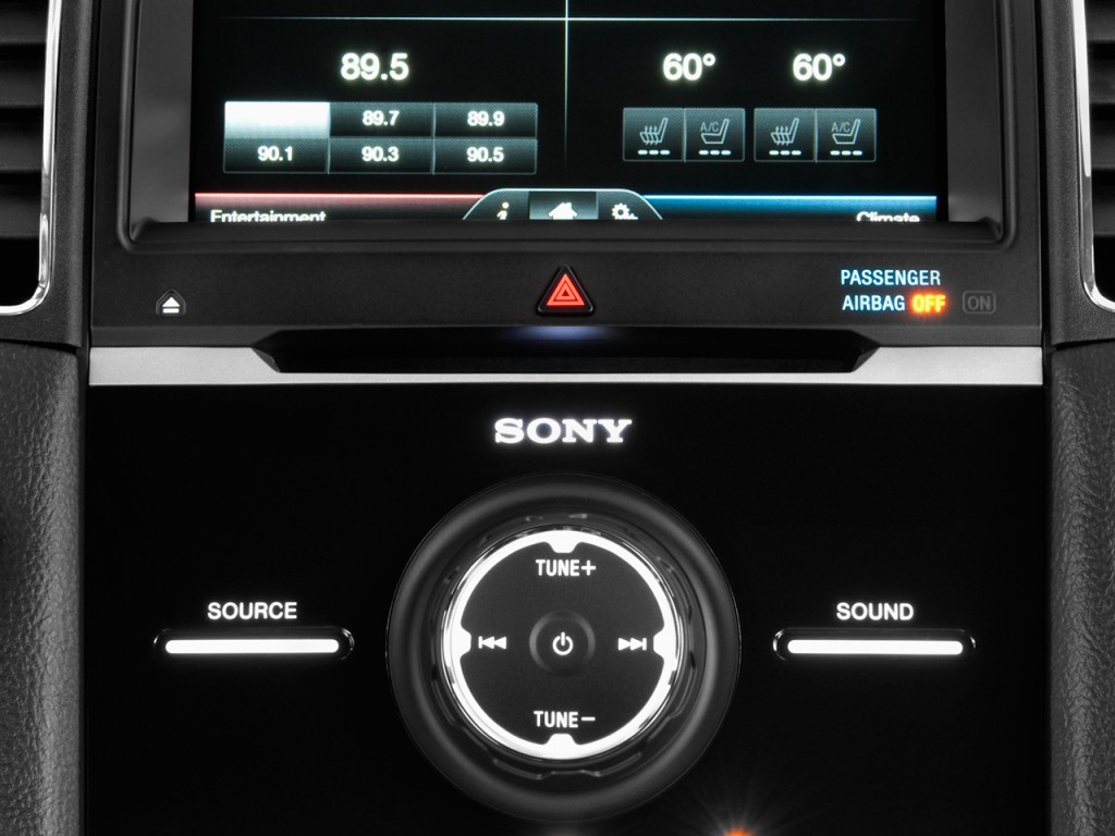 Image: 2017 Ford Taurus Limited FWD Temperature Controls ...