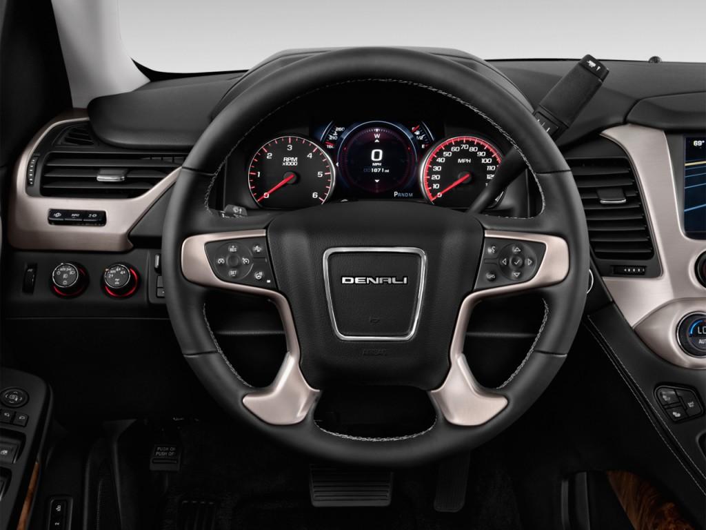 Image: 2017 GMC Yukon XL 2WD 4-door Denali Steering Wheel ...