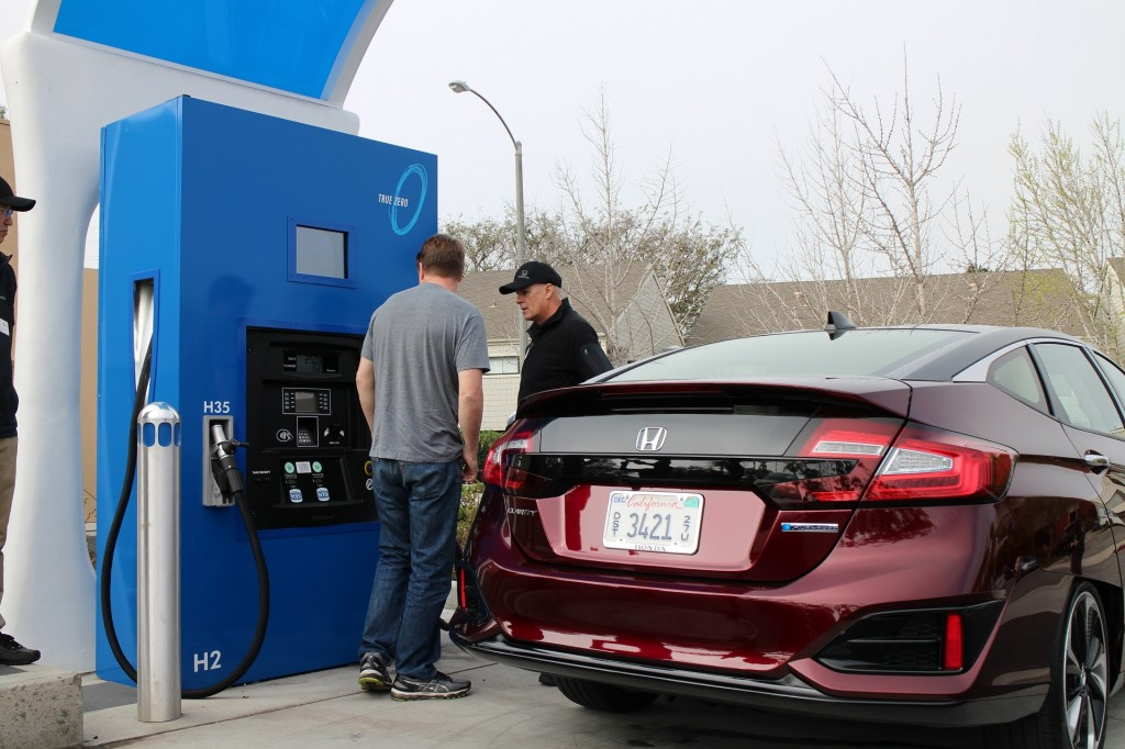 Image 2017 honda clarity fuel cell santa barbara ca for Honda dealership santa barbara