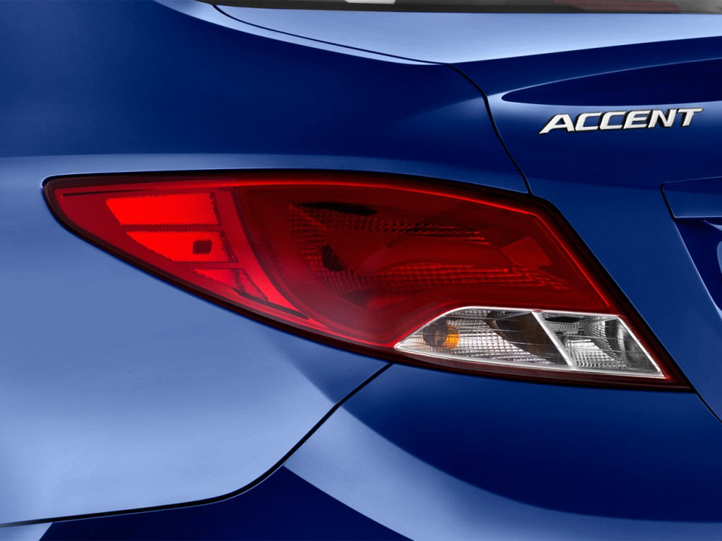 Image: 2017 Hyundai Accent SE Sedan Automatic Tail Light ...