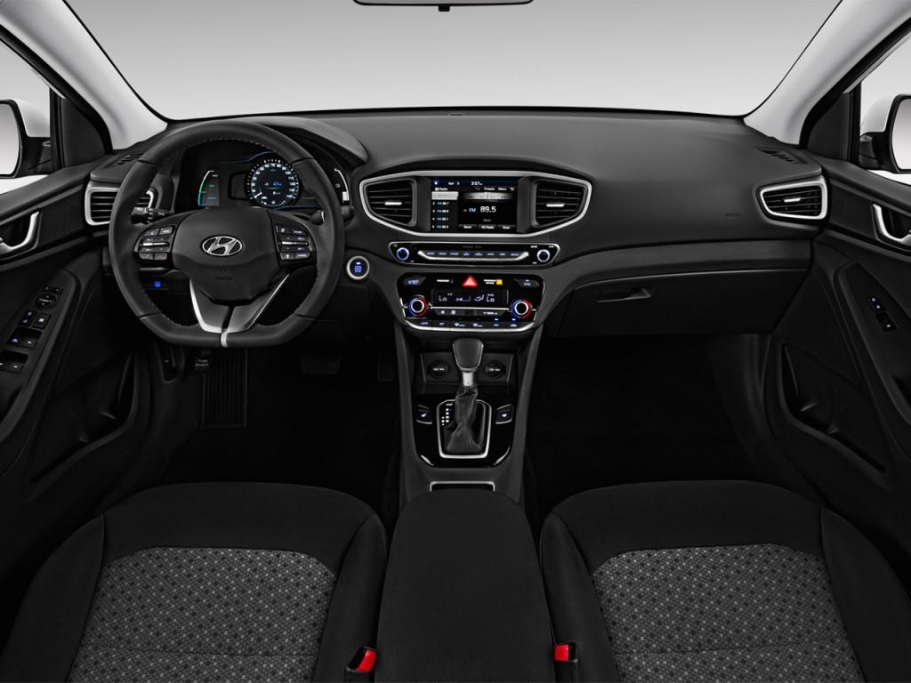 image 2017 hyundai ioniq hybrid sel hatchback dashboard. Black Bedroom Furniture Sets. Home Design Ideas