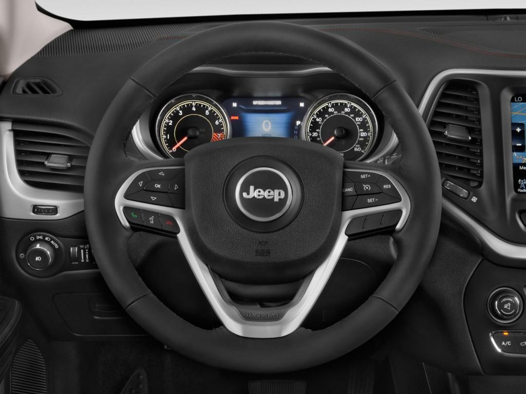 image 2017 jeep cherokee trailhawk 4x4 steering wheel. Black Bedroom Furniture Sets. Home Design Ideas