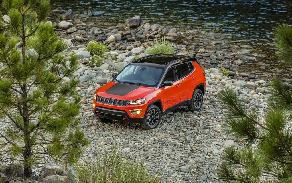 2017 Jeep Compass priced from $22,090; delivers 30 mpg plus