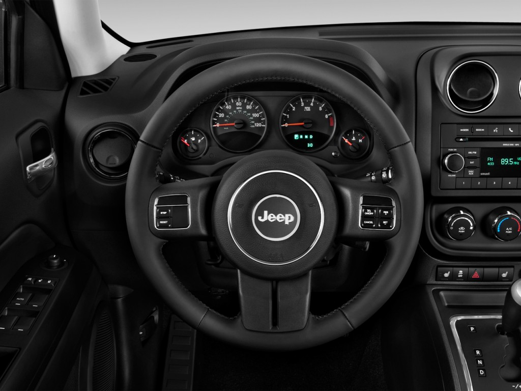image 2017 jeep patriot latitude fwd steering wheel size. Black Bedroom Furniture Sets. Home Design Ideas