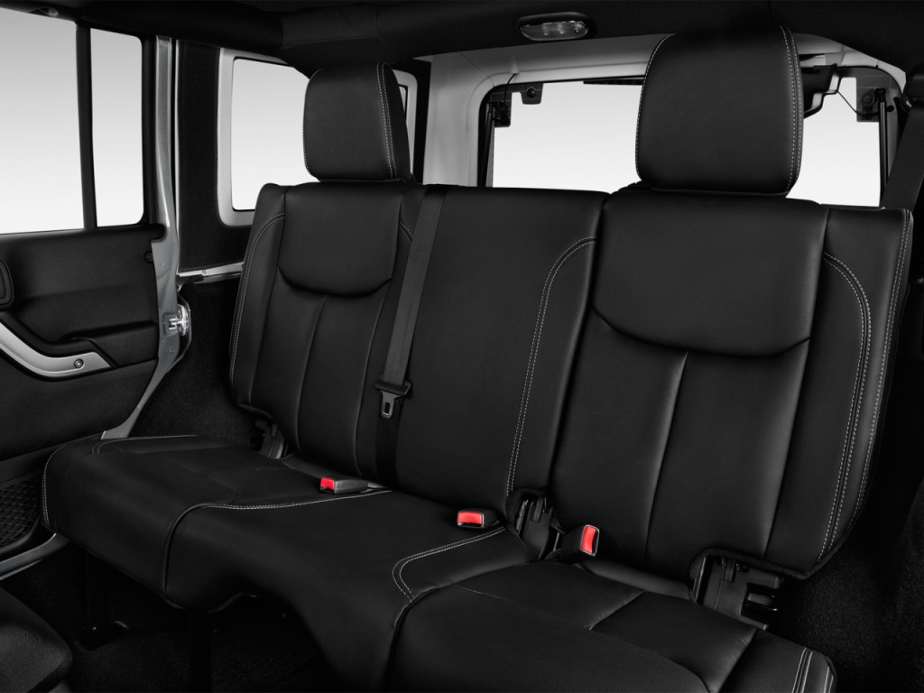 image 2017 jeep wrangler unlimited sahara 4x4 rear seats. Black Bedroom Furniture Sets. Home Design Ideas