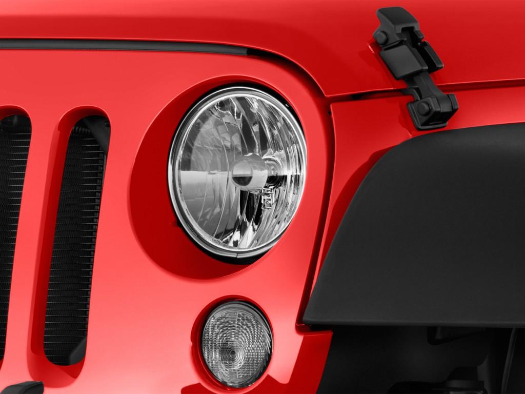 image 2017 jeep wrangler unlimited sport 4x4 headlight. Black Bedroom Furniture Sets. Home Design Ideas