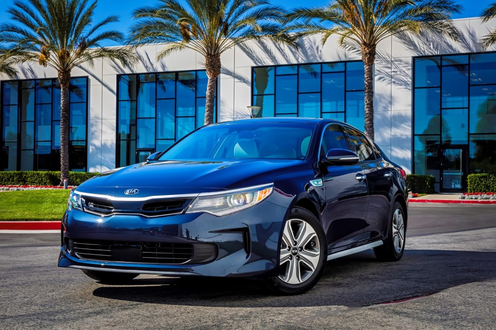 2017 Kia Optima Hybrid Review Ratings Specs Prices And Photos The Car Connection