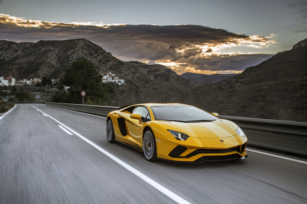Lamborghini Aventador Replacement Likely To Have V 12 Aided By