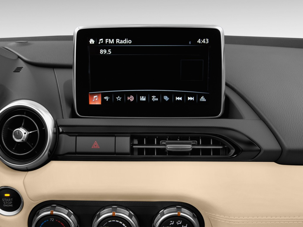 Image: 2017 Mazda MX-5 Miata Grand Touring Manual Audio ...