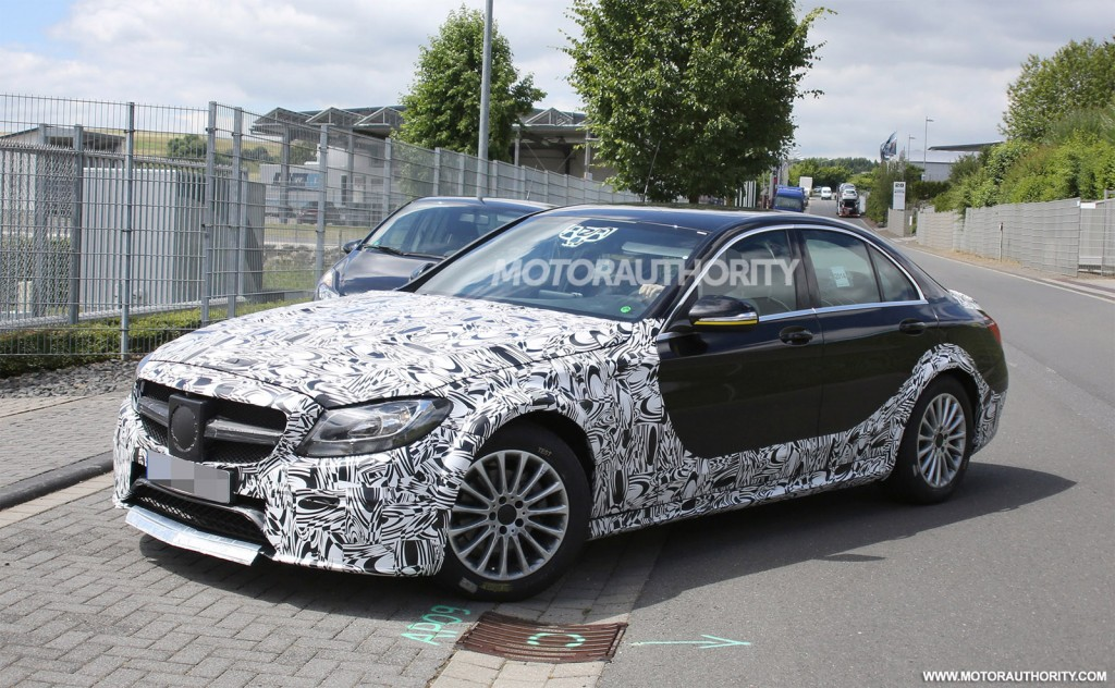 2017 Mercedes-Benz E-Class test mule spy shots