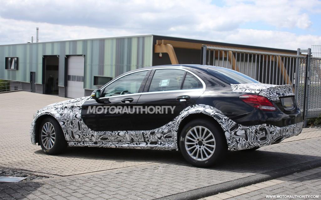 2017 Mercedes-Benz E-Class test mule spy shots