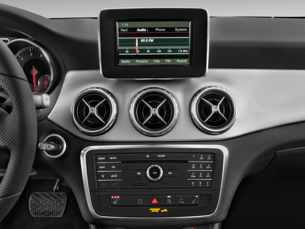 image 2017 mercedes benz gla gla250 suv audio system. Black Bedroom Furniture Sets. Home Design Ideas