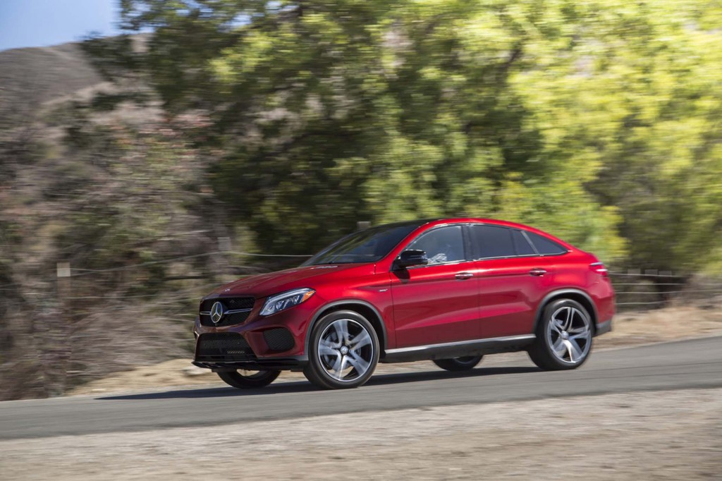 2016-2017 Mercedes-Benz GLE recalled to fix airbag problem