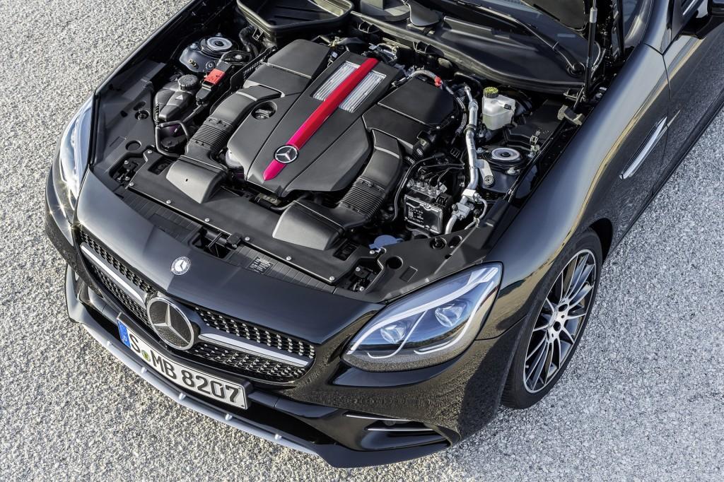 2017 Mercedes-AMG SLC43