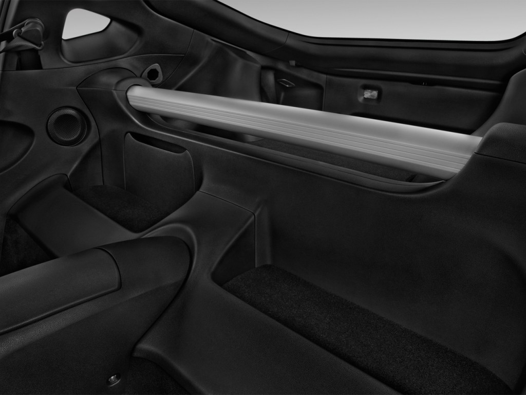 Image: 2017 Nissan 370Z Coupe NISMO Manual Rear Seats ...