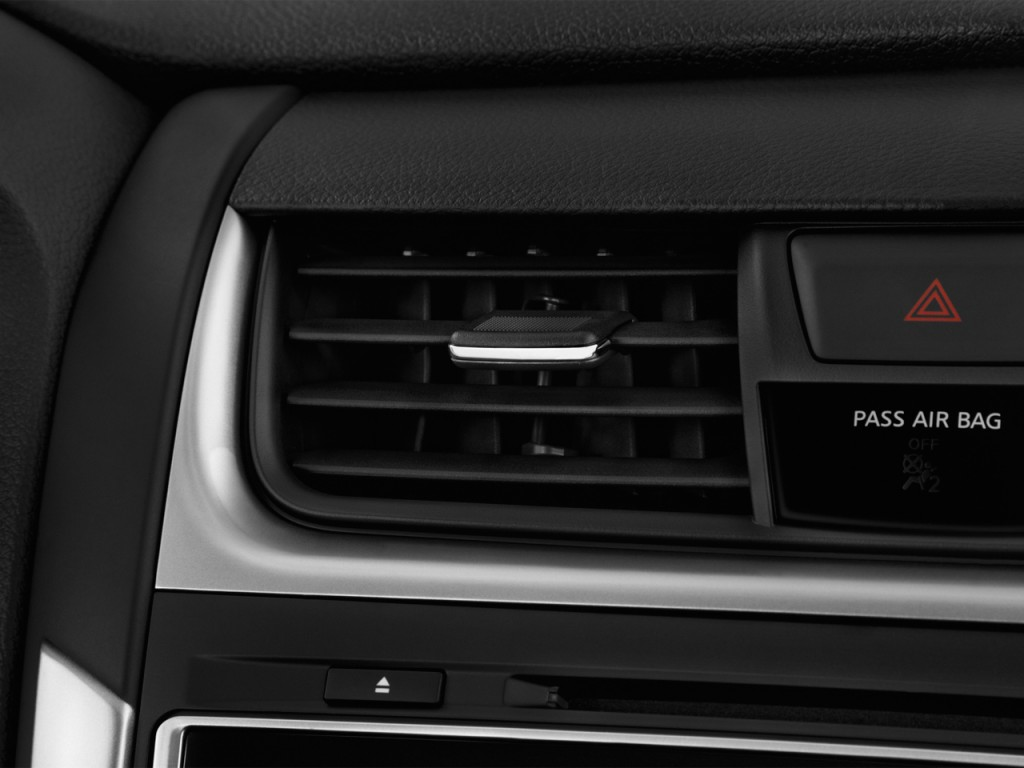 Image: 2017 Nissan Altima 2.5 S Air Vents, size: 1024 x ...