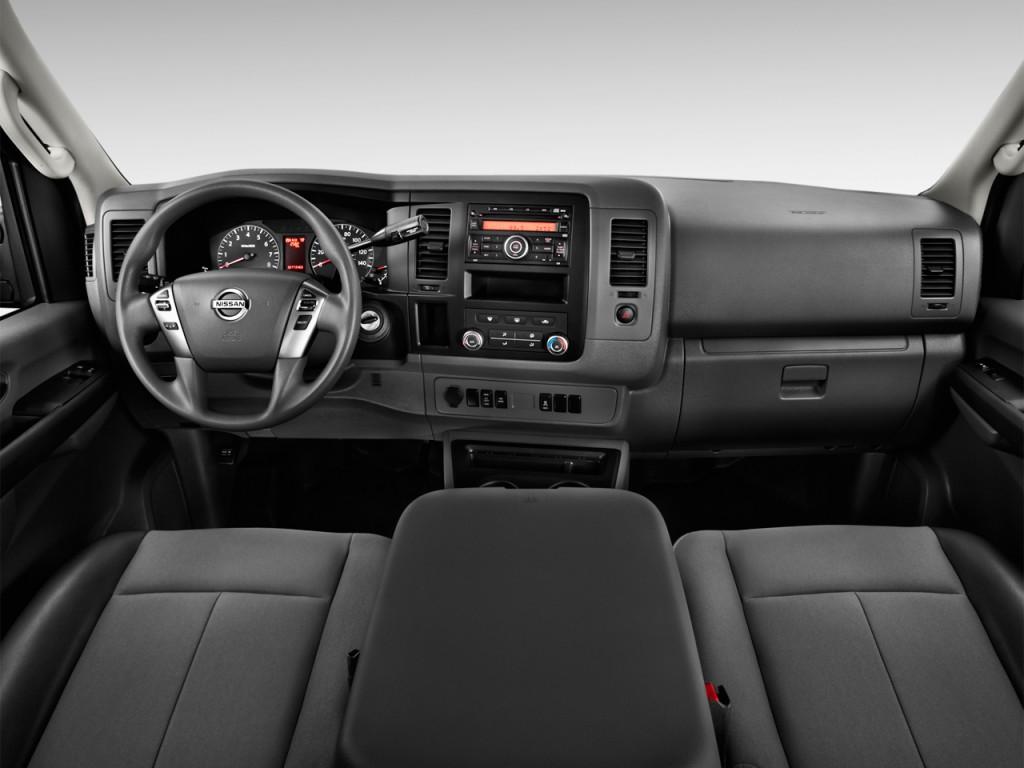 Image: 2017 Nissan NV Cargo NV3500 HD Standard Roof S V8 ...