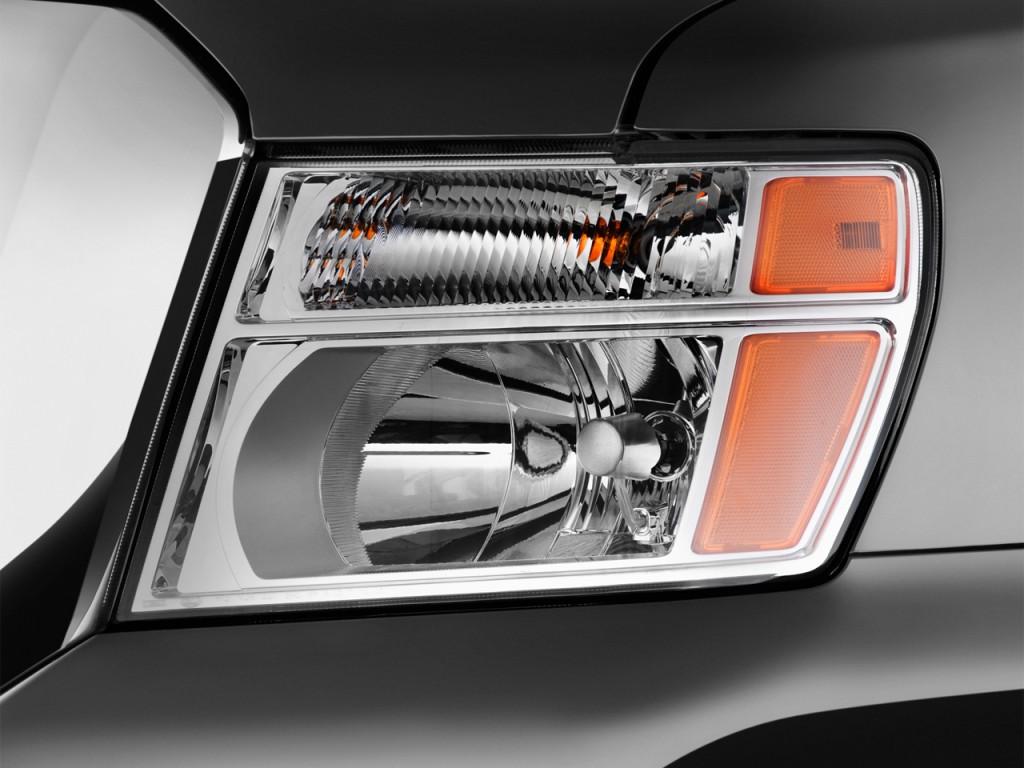 Image: 2017 Nissan NV Passenger V8 SV Headlight, size ...