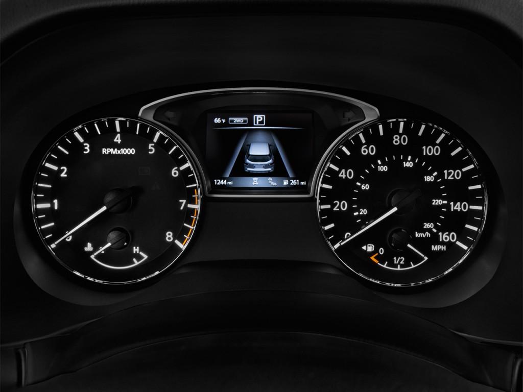 Image: 2017 Nissan Pathfinder 4x4 Platinum Instrument ...
