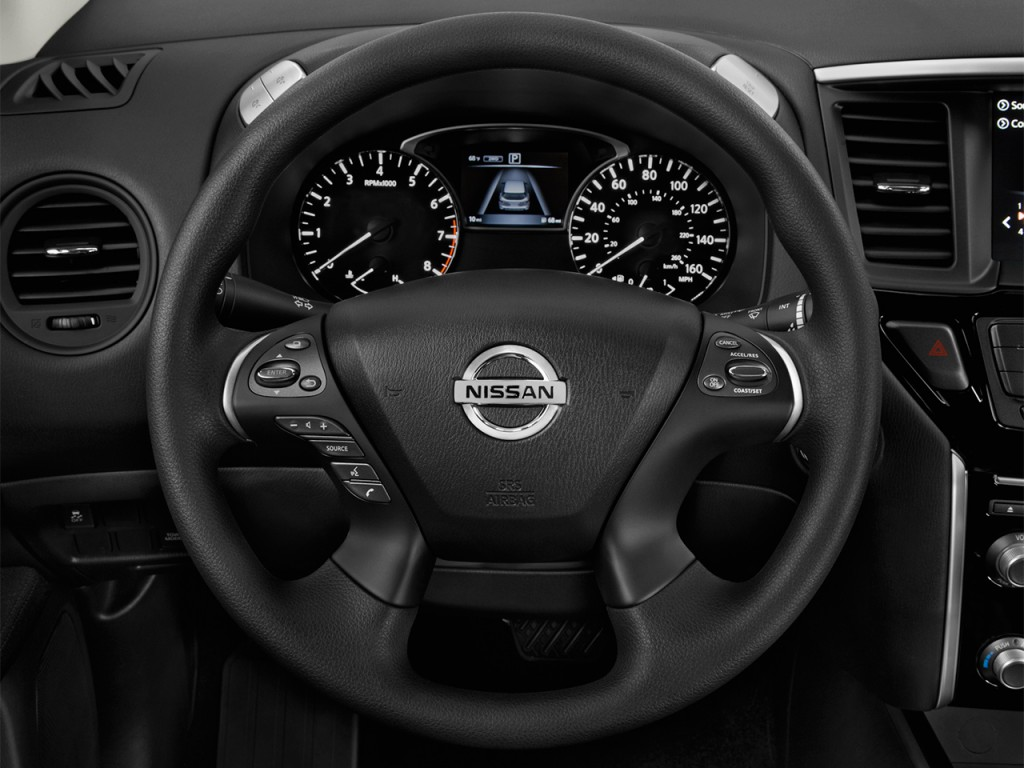 Image: 2017 Nissan Pathfinder 4x4 S Steering Wheel, size ...