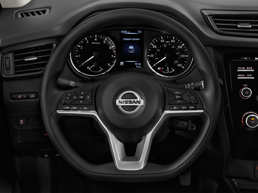 Image 2017 Nissan Rogue Sport AWD S Steering Wheel size