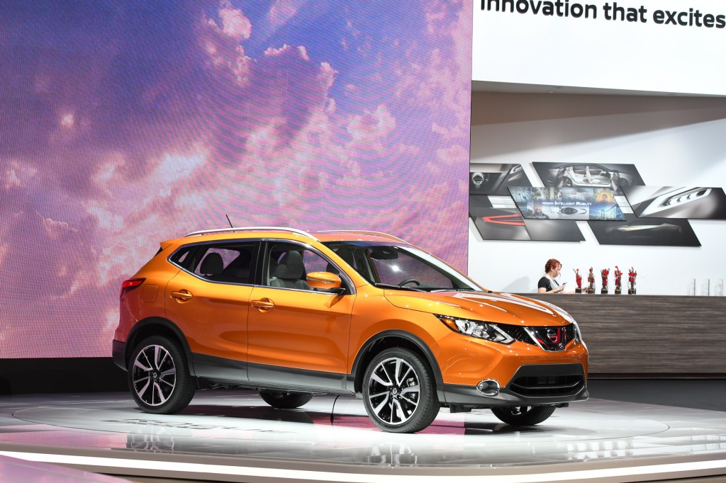 2017 Nissan Rogue Sport costs $22,360 to start, Darwin may be proud
