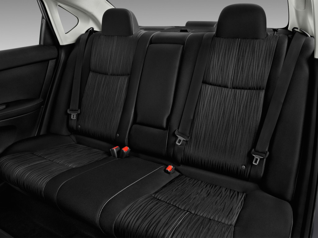 Image: 2017 Nissan Sentra SV CVT Rear Seats, size: 1024 x ...