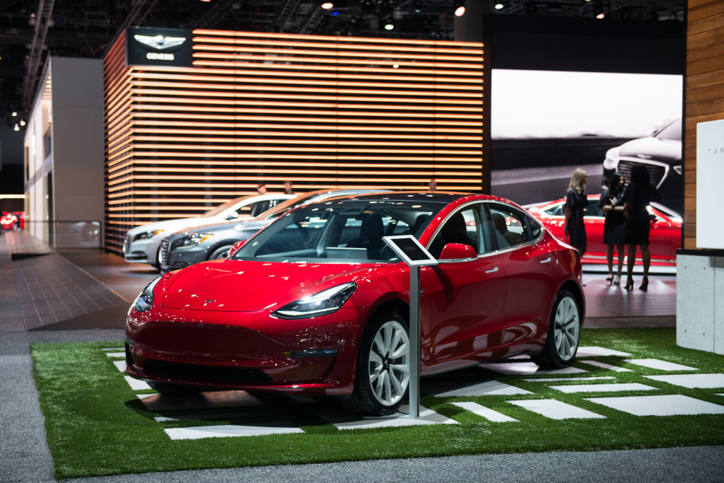 2017 Tesla Model 3, 2017 Los Angeles Auto Show