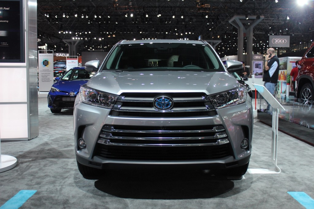 2017 Toyota Highlander Hybrid To Be Offered In Four Trim Levels: Live Photos