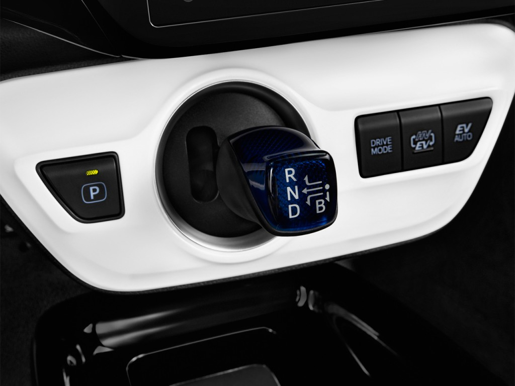 Image: 2017 Toyota Prius Prime (Natl) Gear Shift, size ...