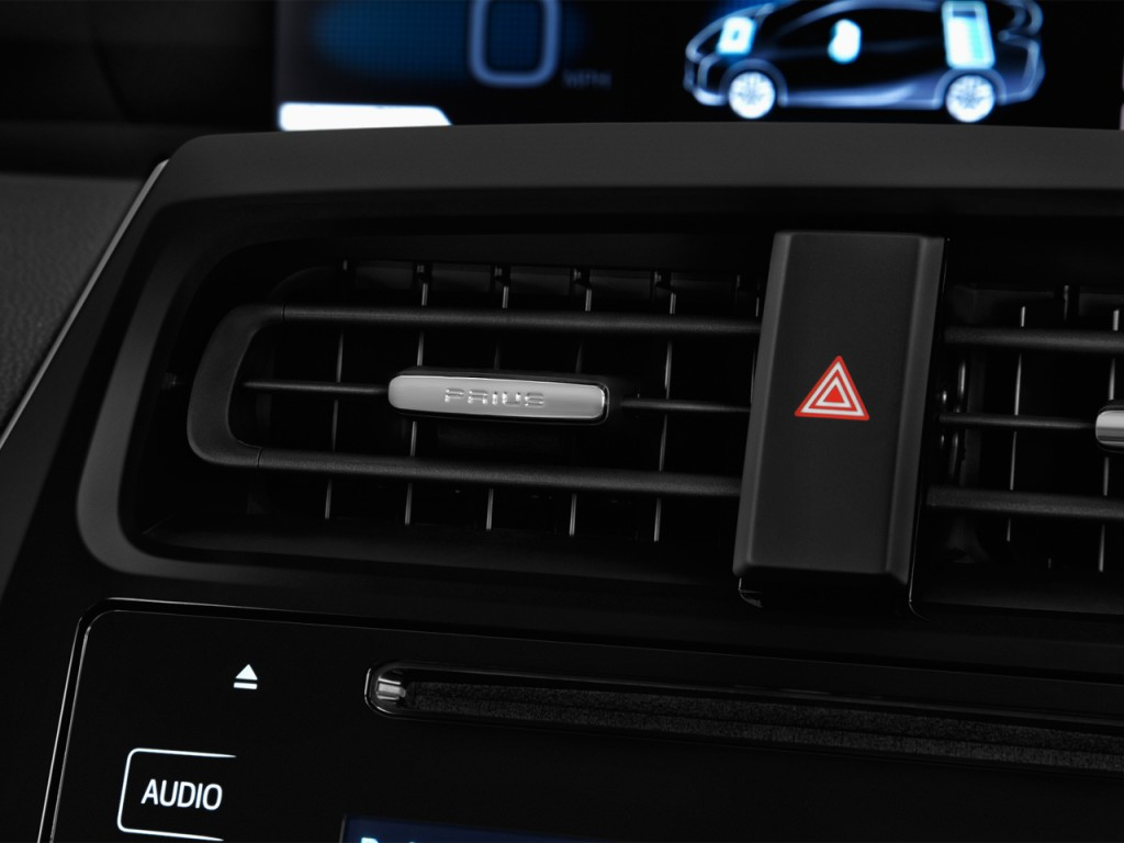 Image: 2017 Toyota Prius Two (Natl) Air Vents, size: 1024 ...