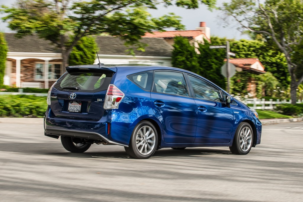 Ford Towing A Dodge >> Image: 2017 Toyota Prius V, size: 1024 x 683, type: gif, posted on: July 8, 2016, 3:50 am - The ...