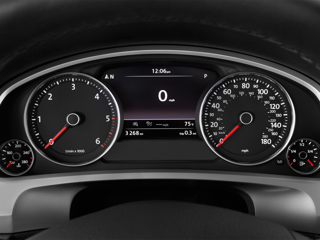Image: 2017 Volkswagen Touareg V6 Sport w/Technology ...
