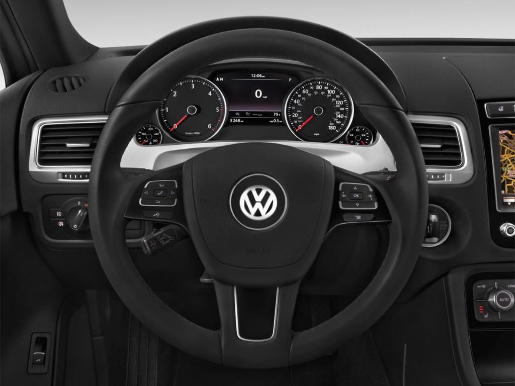Image: 2017 Volkswagen Touareg V6 Sport w/Technology Steering Wheel, size: 1024 x 768, type: gif ...