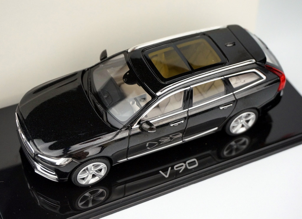 2017 Volvo V90 scale model - Image via Autohome