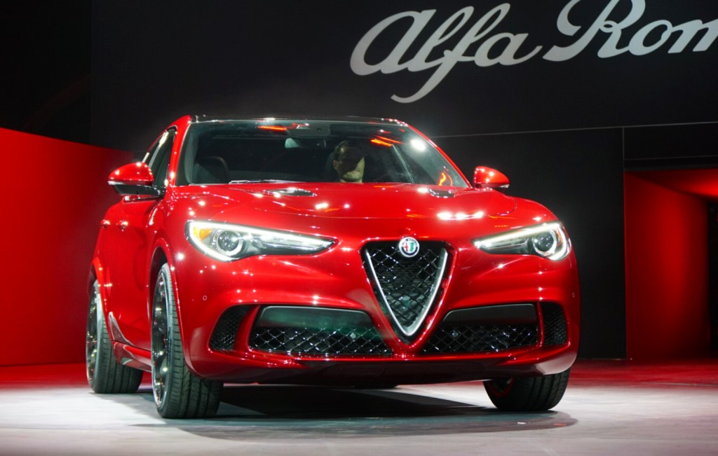 Alfa Romeo Los Angeles >> What S New For 2017 Alfa Romeo