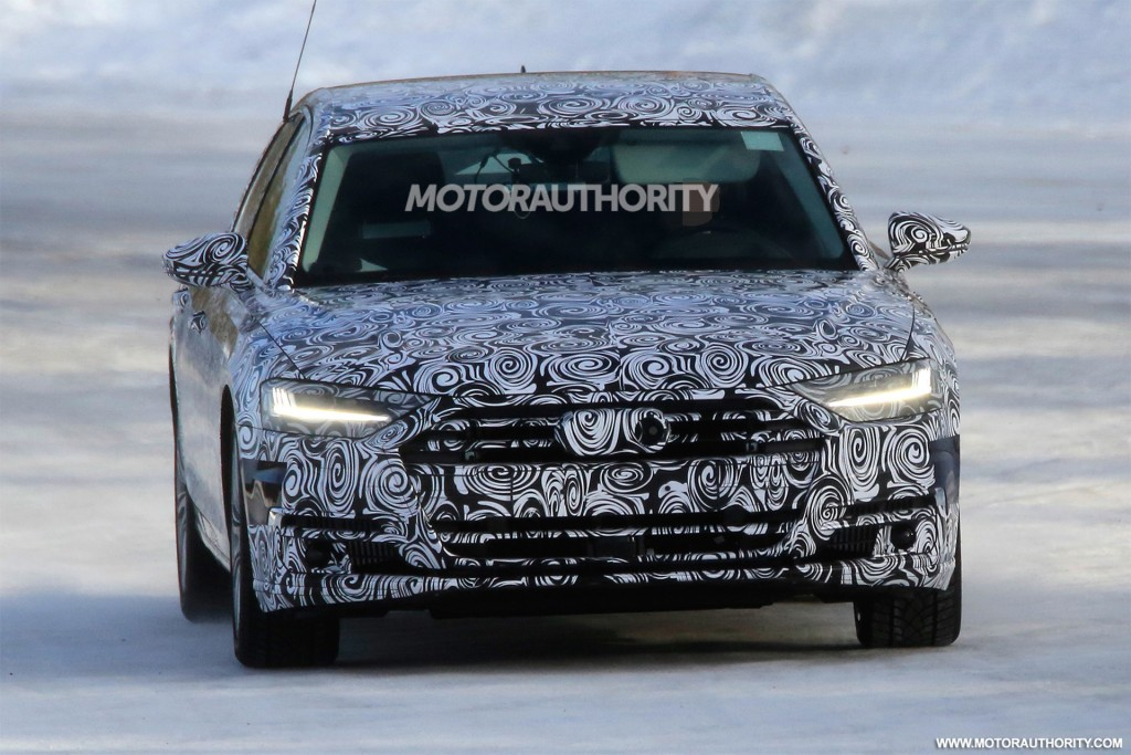 2020 Audi S8 spy shots and video