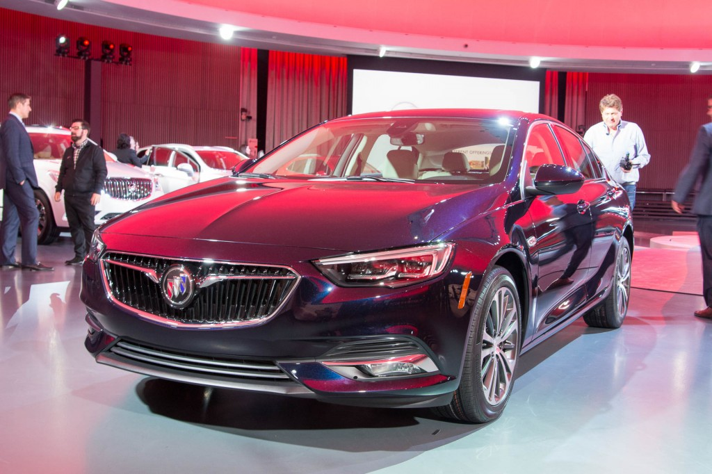 Image: 2018 Buick Regal Sportback, size: 1024 x 682, type: gif, posted on: April 4, 2017, 3:11 ...