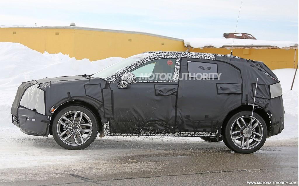 2019 Cadillac XT4 spy shots