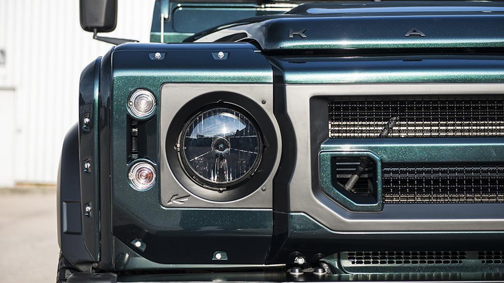 Kahn Design's Chelsea Truck Company reveals posh Defender pickup