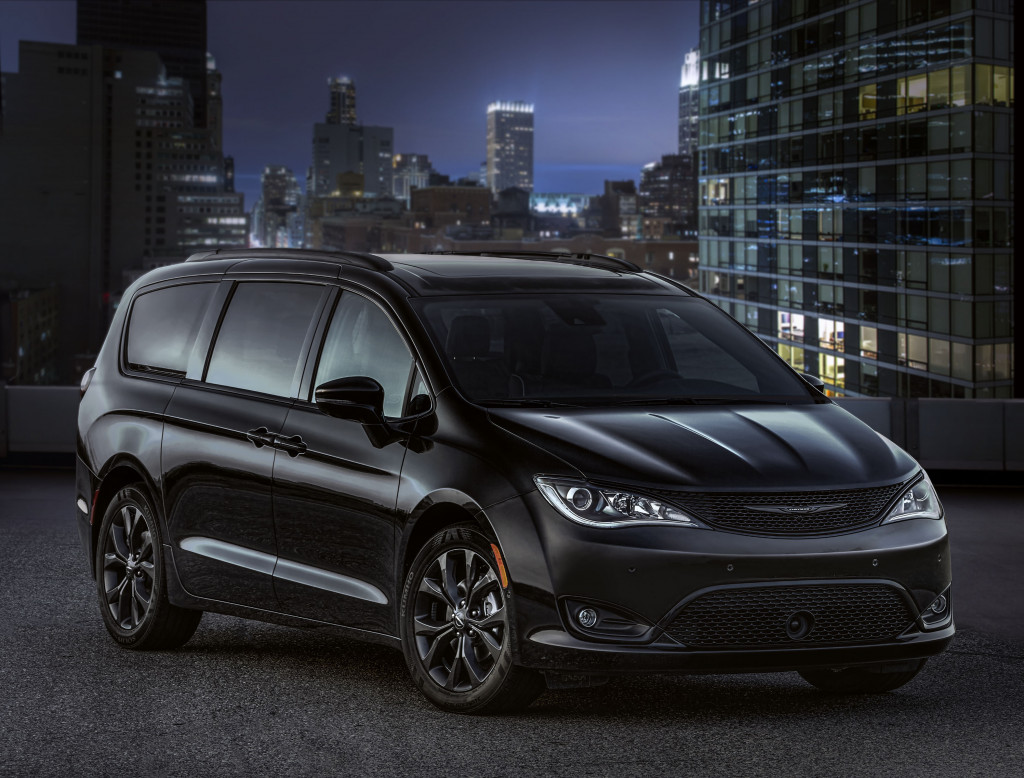 2018 Chrysler Pacifica S: Darth Vader's minivan has arrived