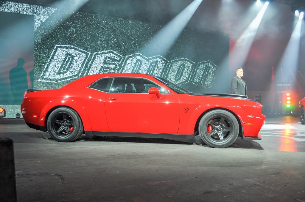 Image: 2018 Dodge Challenger SRT Demon, 2017 New York auto show, size: 1024 x 680, type: gif ...