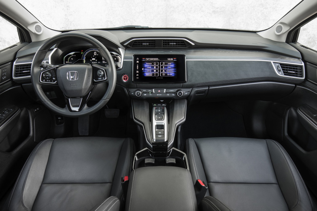 2017 Honda Civic Gas Mileage >> Image: 2018 Honda Clarity Plug-In Hybrid, size: 1024 x 682, type: gif, posted on: December 11 ...
