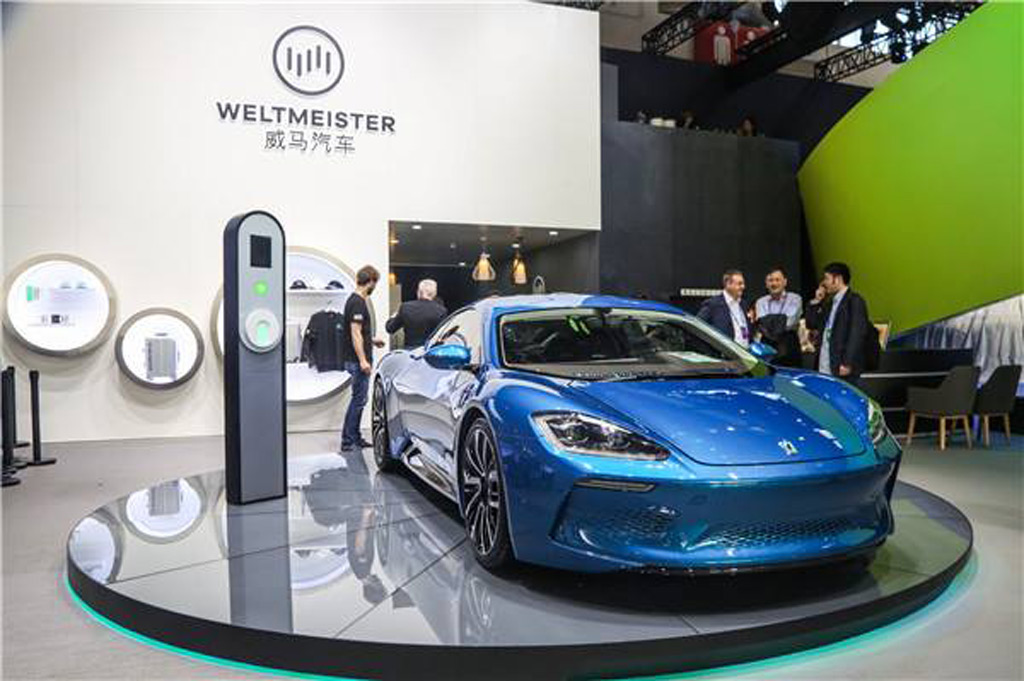 Isdera Commendatore GT electric gullwing revealed, limited to just 2 cars