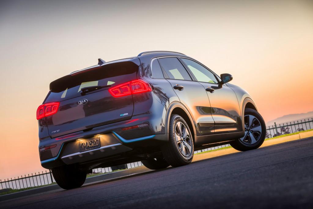 Kia niro hybrid earns top safety pick award fandeluxe Choice Image