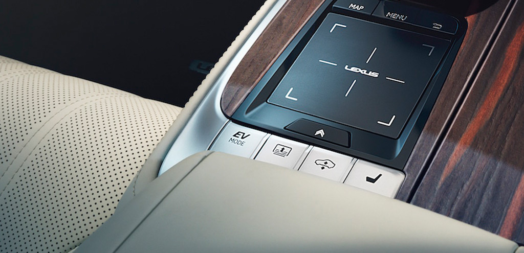 "2018 Lexus LS center console with ""EV MODE"" button"