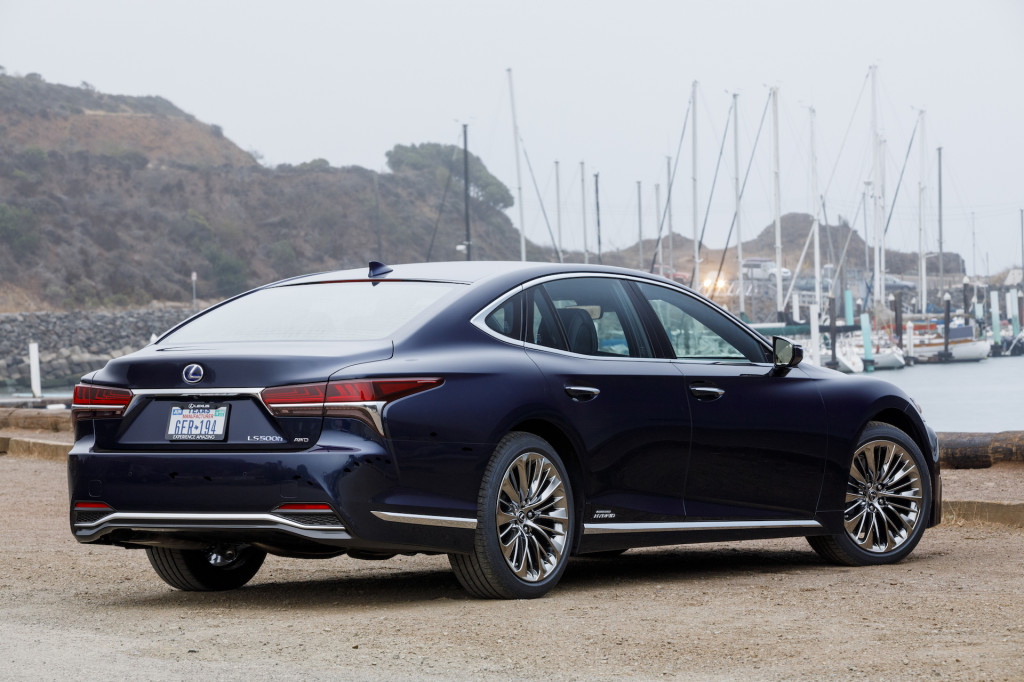 2018 Lexus LS 500h Executive Package (Lexus LS Hybrid)
